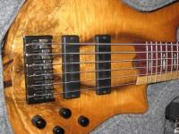 ПРОДАМ Roscoe SKB 6 string Custom 2000