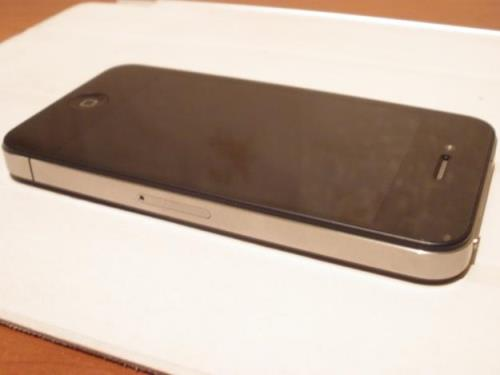 Продам  Apple  iPhone 4  16Gb Neverlock